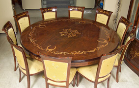 Bon Elegant Round Italian Dining Table With Chairs